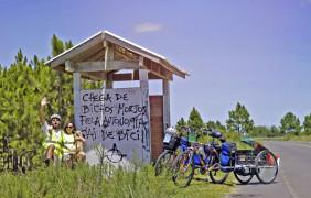 De bike com a cadela, de Floripa ao Uruguai